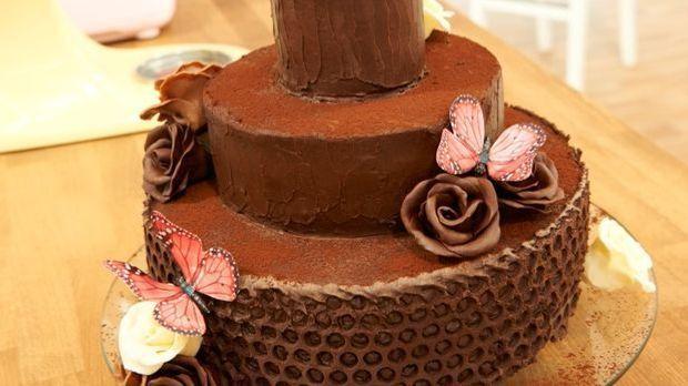 """Turm aus Schokolade - Matthias' """"Eine rosige Schokoladenverführung"""""""