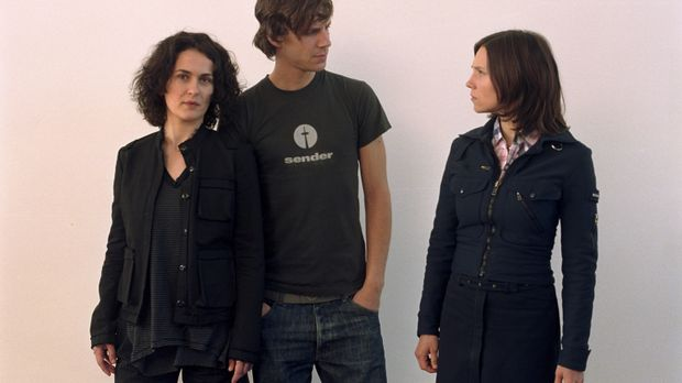 Als die attraktive Julia (Sabine Timoteo, r.) von ihrem Freund Patrick (Knut...