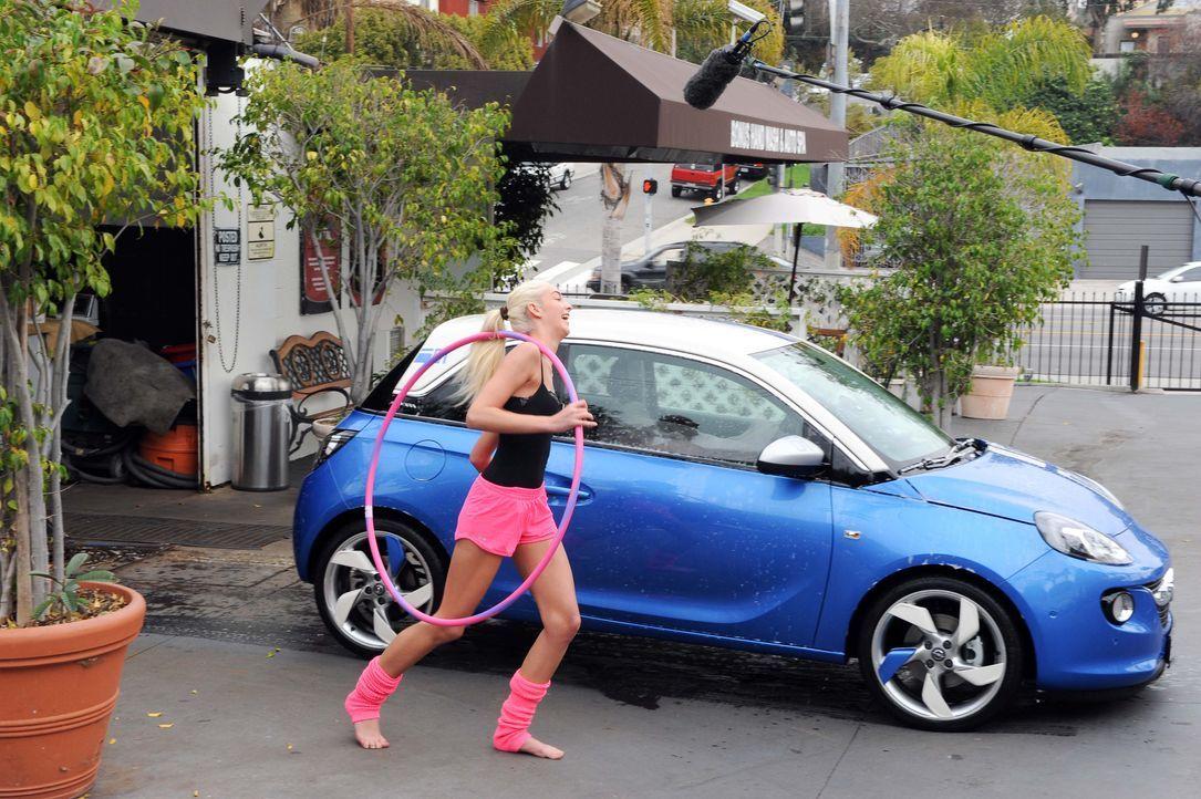 GNTM-10-Sendung11_Opel_013 - Bildquelle: © MIcah Smith / fusemedia 213-840-6628