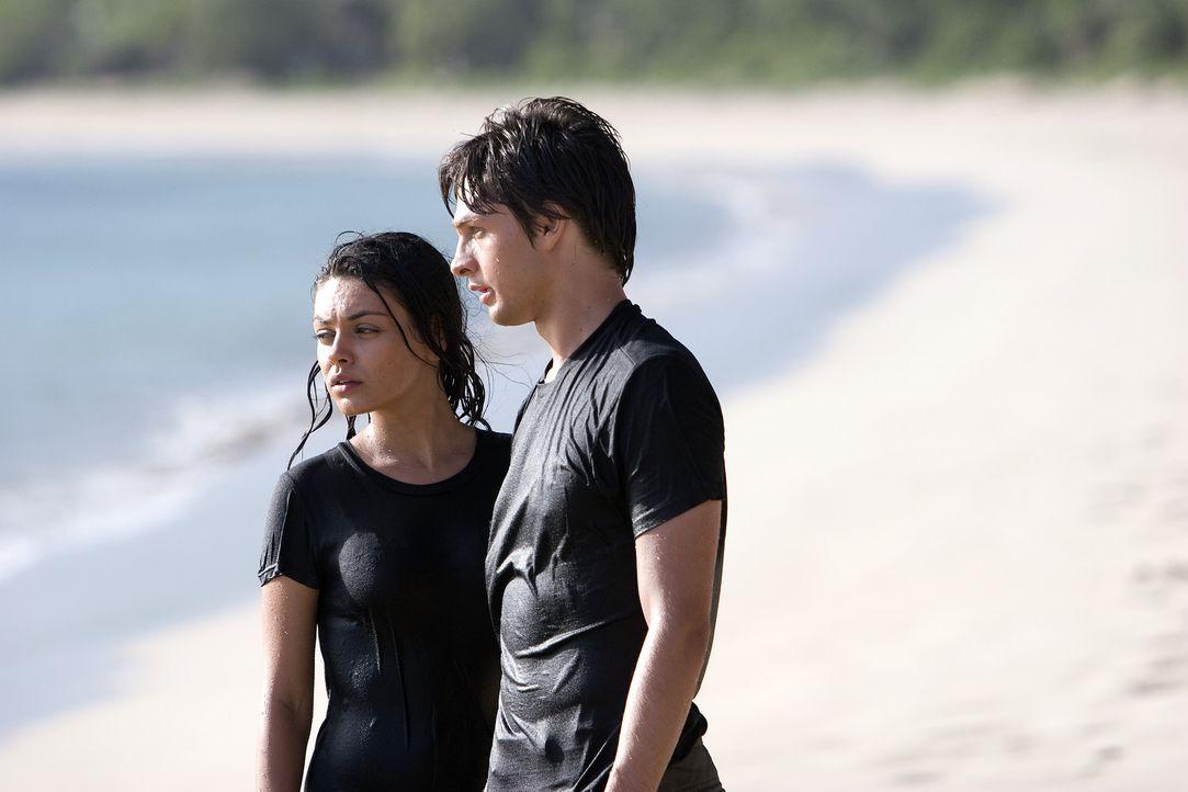 Wagen die Flucht: Sophie (Mila Kunis, l.) und Ben (Gregory Smith, r.) ...