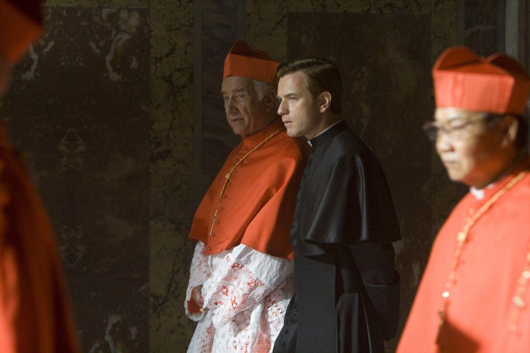 """Der Papst ist tot, das Konklave zur Wahl eines neuen Pontifex hat eben begonnen. Die Staatsgeschäfte ruhen kommissarisch in den Händen des """"Camerl... - Bildquelle: 2009 Columbia Pictures Industries, Inc. All Rights Reserved."""