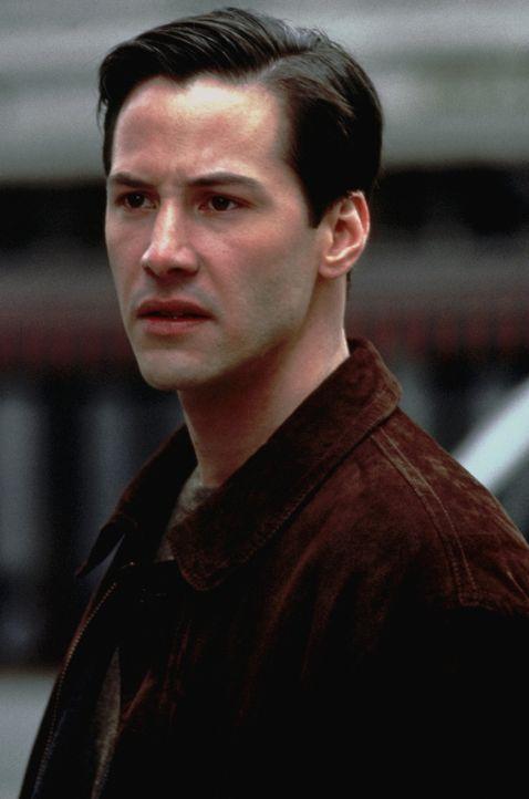 Erst spät dämmert Kevin (Keanu Reeves), dass an seinem Boss etwas faul ist ... - Bildquelle: Warner Bros.