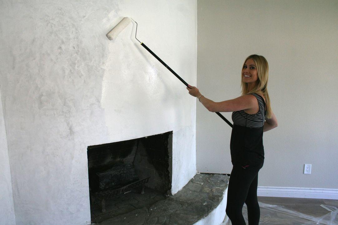 Auf Christina und ihren Mann wartet besonders viel Arbeit, als sie ein Haus kaufen, ohne es zuvor besichtigen zu können ... - Bildquelle: 2015,HGTV/Scripps Networks, LLC. All Rights Reserved