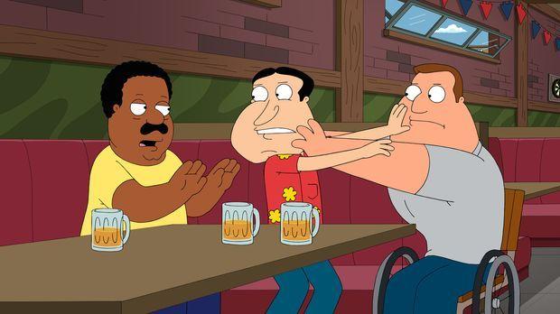 Während er den Streit zwischen Joe (r.) und Quagmire (M.) schlichtet, entdeck...