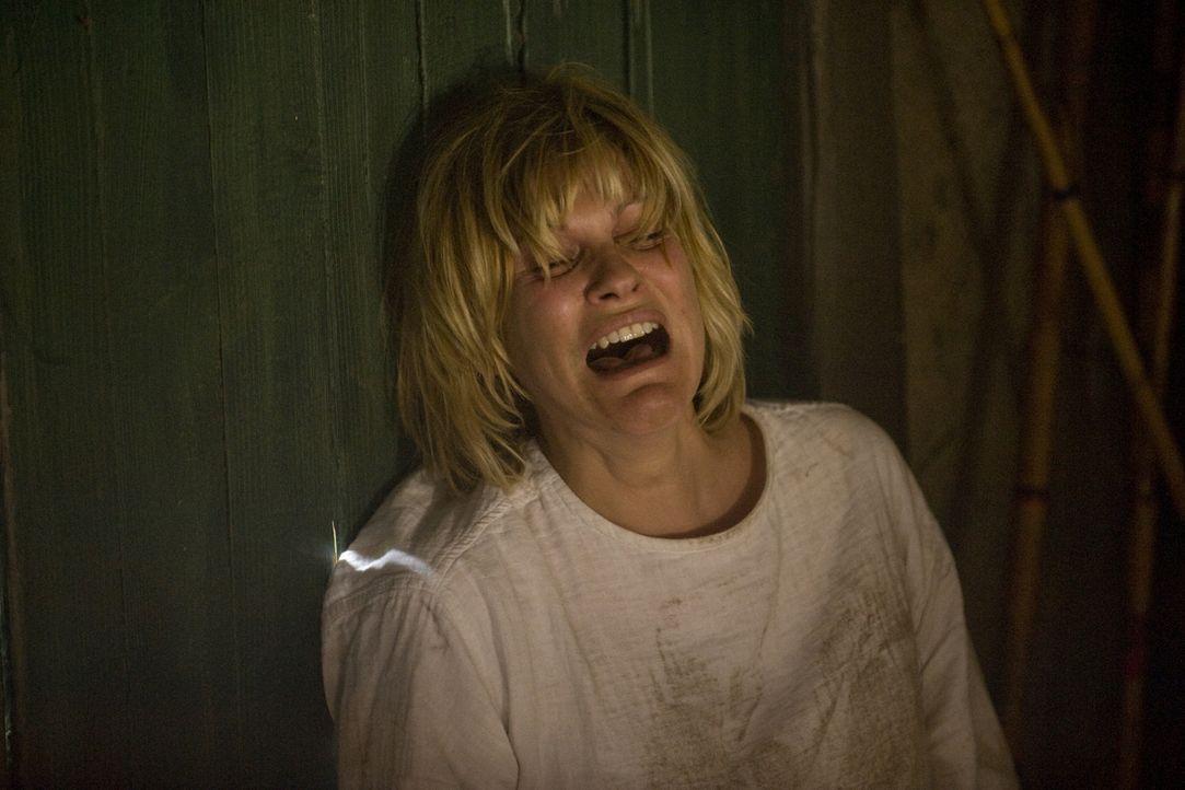 Verzweifelt kämpft Fred (Vanessa Valence) um ihr Leben ... - Bildquelle: 2014 BEAUBOURG AUDIOVISUEL