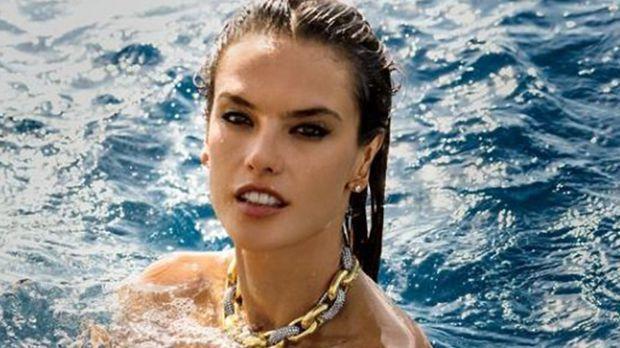 Komplett nackt: Model Alessandra Ambrosio zeigt ihren sexy
