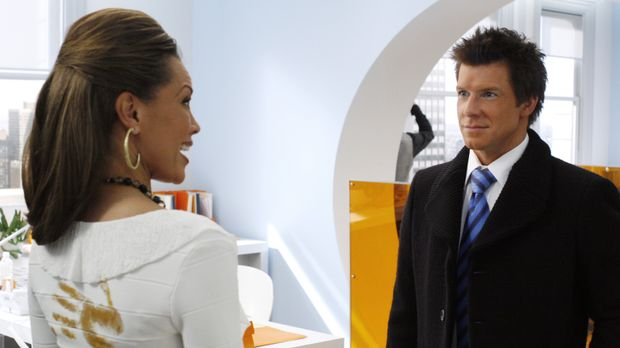 Wilhelmina (Vanessa Williams, l.) und eine geheimnisvolle Freundin planen die...