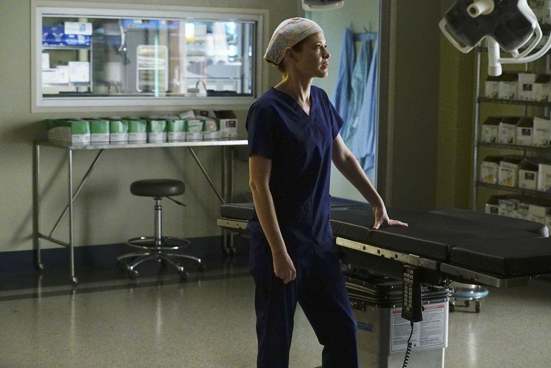 Arizona hat Jackson verraten, dass April (Sarah Drew) schwanger ist. Was zum Streit zwischen den beiden und April und Jackson führt ... - Bildquelle: Richard Cartwright ABC Studios