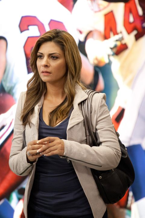 Hilft der Frau eines Hawks-Spielers, ihr Verlangen nach Ladendiebstählen in den Griff zu kriegen: Dani (Callie Thorne) ... - Bildquelle: 2011 Sony Pictures Television Inc. and Universal Network Television LLC.  All Rights Reserved.