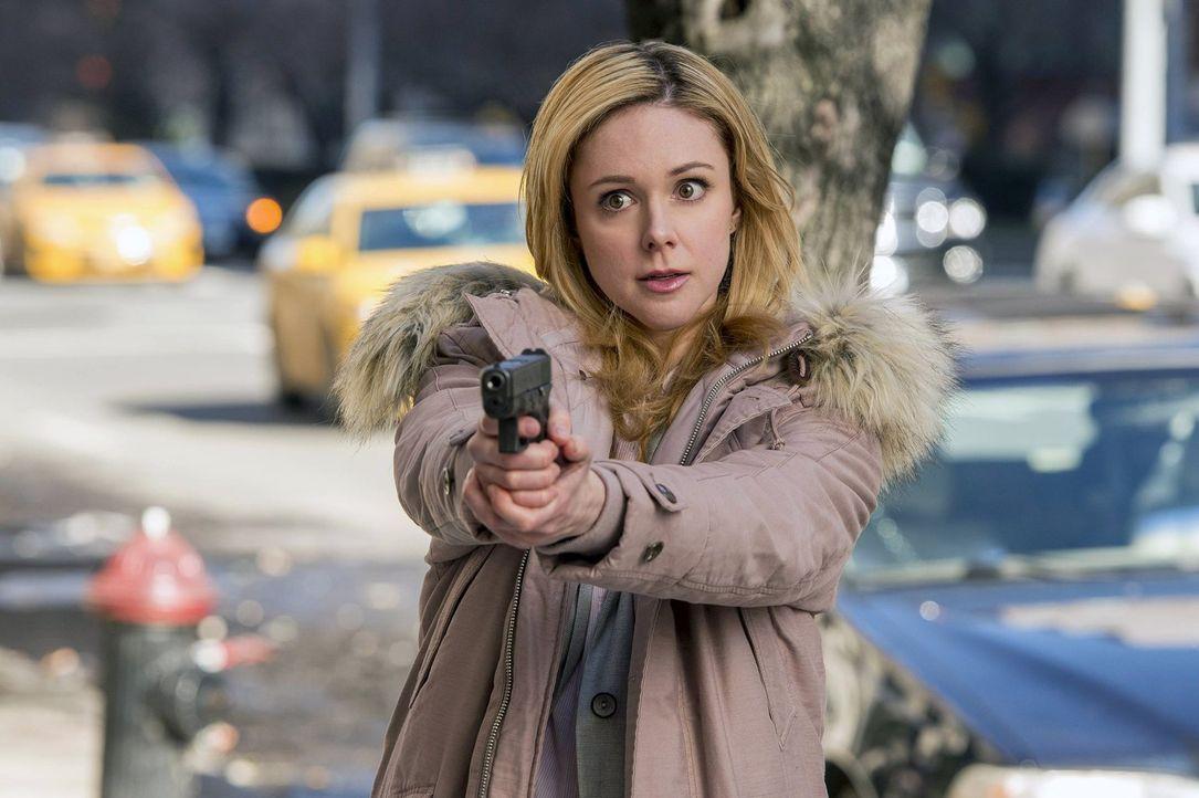 Unterstützt das Team bei den Ermittlungen in einem Mordfall: Frankie Pulaski (Meg Steedle) ... - Bildquelle: Warner Bros. Entertainment, Inc.