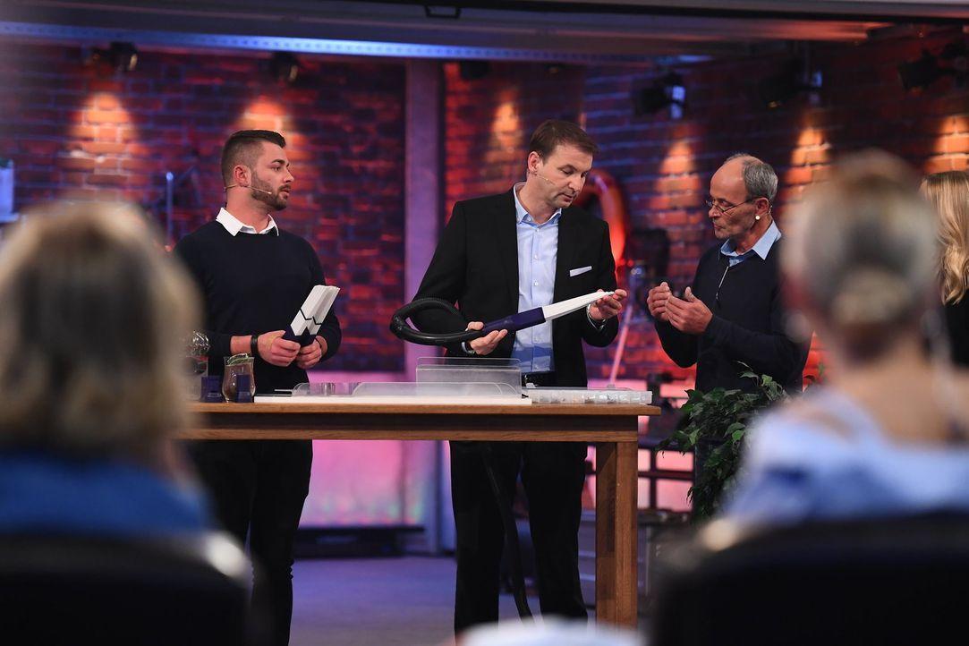 (v.l.n.r.) Dominic Moraitis; Hans-Jürgen Moog; Nikolaus Moraitis - Bildquelle: Willi Weber ProSieben/Willi Weber