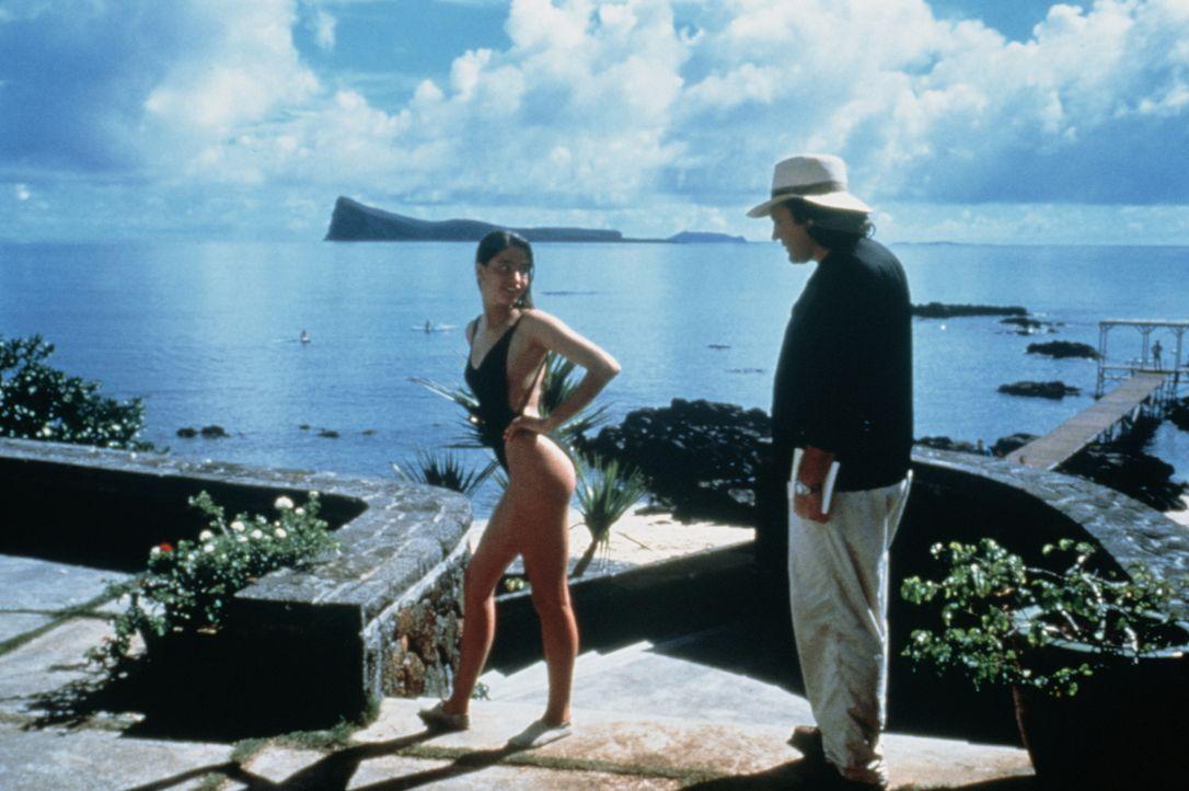 Der allein erziehende Vater Andre (Gérard Depardieu, r.) und seine pubertierende Tochter Véronique (Marie Gillain, l.) machen gemeinsam Urlaub. Als... - Bildquelle: TF1 Films Productions