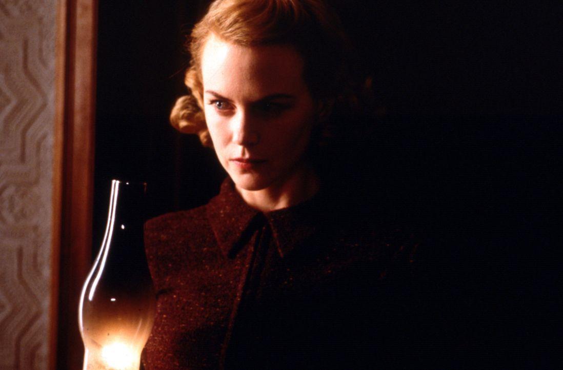 Da Graces (Nicole Kidman) Kinder unter einer schrecklichen Krankheit leiden, herrschen strikte Regeln im Haus ... - Bildquelle: Miramax Films
