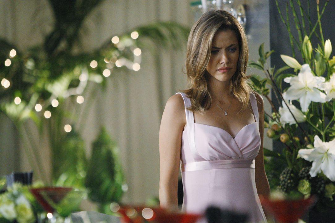 Ahnt nicht, dass ihr Verlobter untreu ist: Maggie (Julie Gonzalo) ... - Bildquelle: Disney - ABC International Television