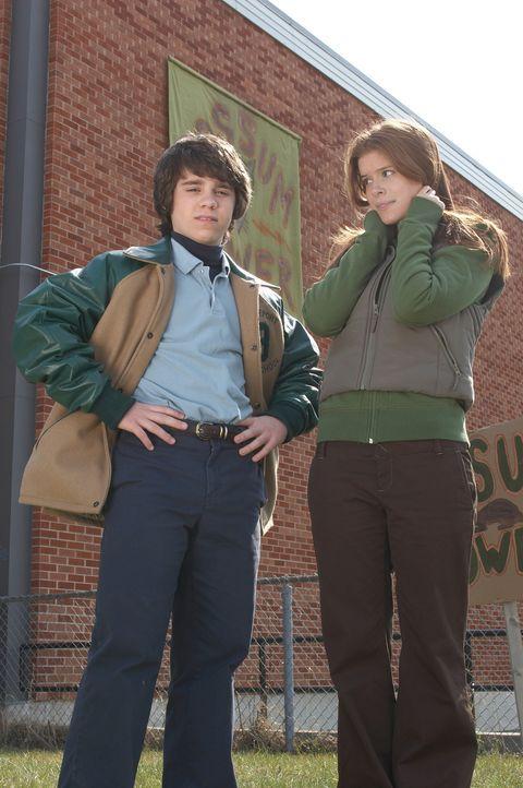 Der Neustart an der Schule ist für Sam (Ryan Pinkston, l.) alles andere als leicht, die einzige, die ihm von Anfang an zur Seite steht, ist Annie (K... - Bildquelle: New Line Cinema