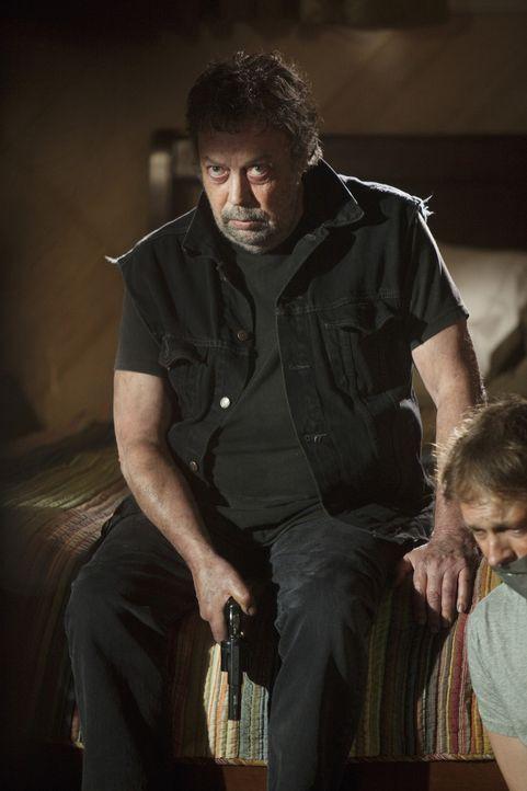 """Schreckt vor Nichts und Niemanden zurück: der """"Fürst der Finsternis"""" (Tim Curry) ... - Bildquelle: Touchstone Television"""