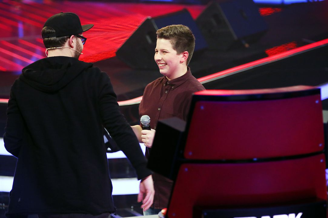 The-Voice-Kids-Stf03-Epi04-22-Simon-SAT1-Richard-Huebner - Bildquelle: SAT.1/Richard Huebner