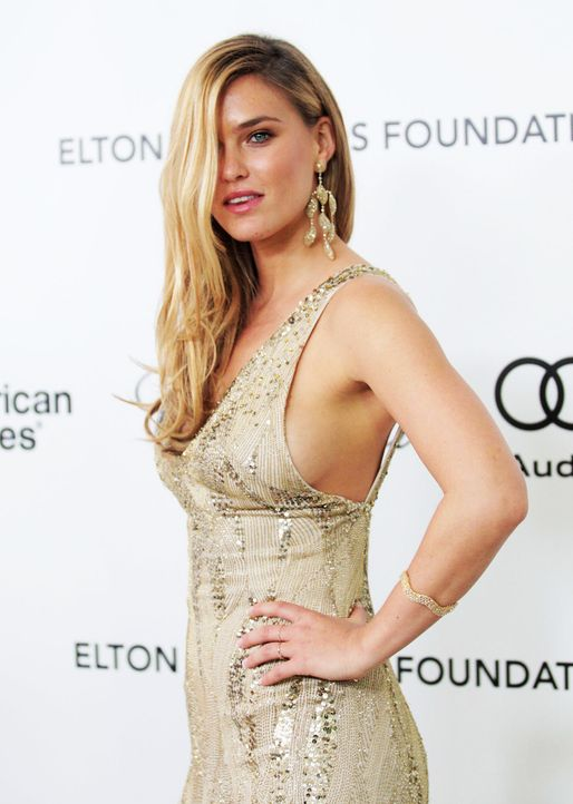 oscar-parties-bar-refaeli-12-02-26-getty-afpjpg 1417 x 1990 - Bildquelle: getty-AFP