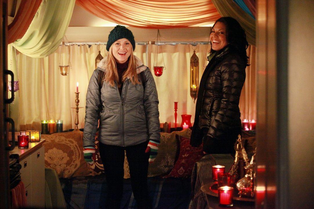 Am Valentinstag geht es hoch her am Seattle Grace: Owen konfrontiert Cristina damit, dass er ausziehen möchte, während Callie (Sara Ramirez, r.) ein... - Bildquelle: ABC Studios