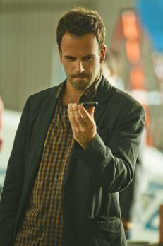Elementary - Ein neuer Fall wartet auf Sherlock Holmes (Jonny Lee Miller) ......