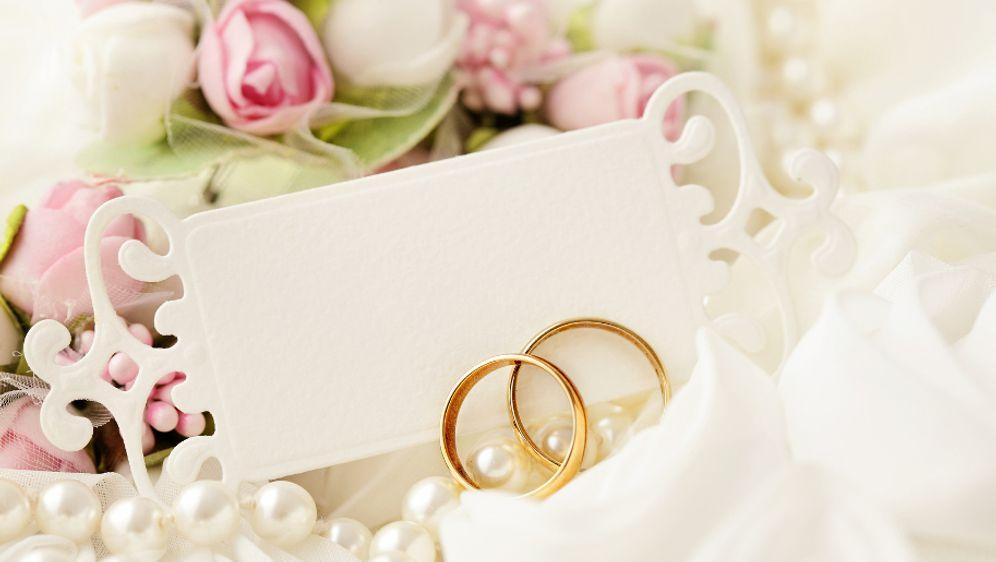 So Einfach Konnt Ihr Eure Hochzeitskarten Selbst Gestalten