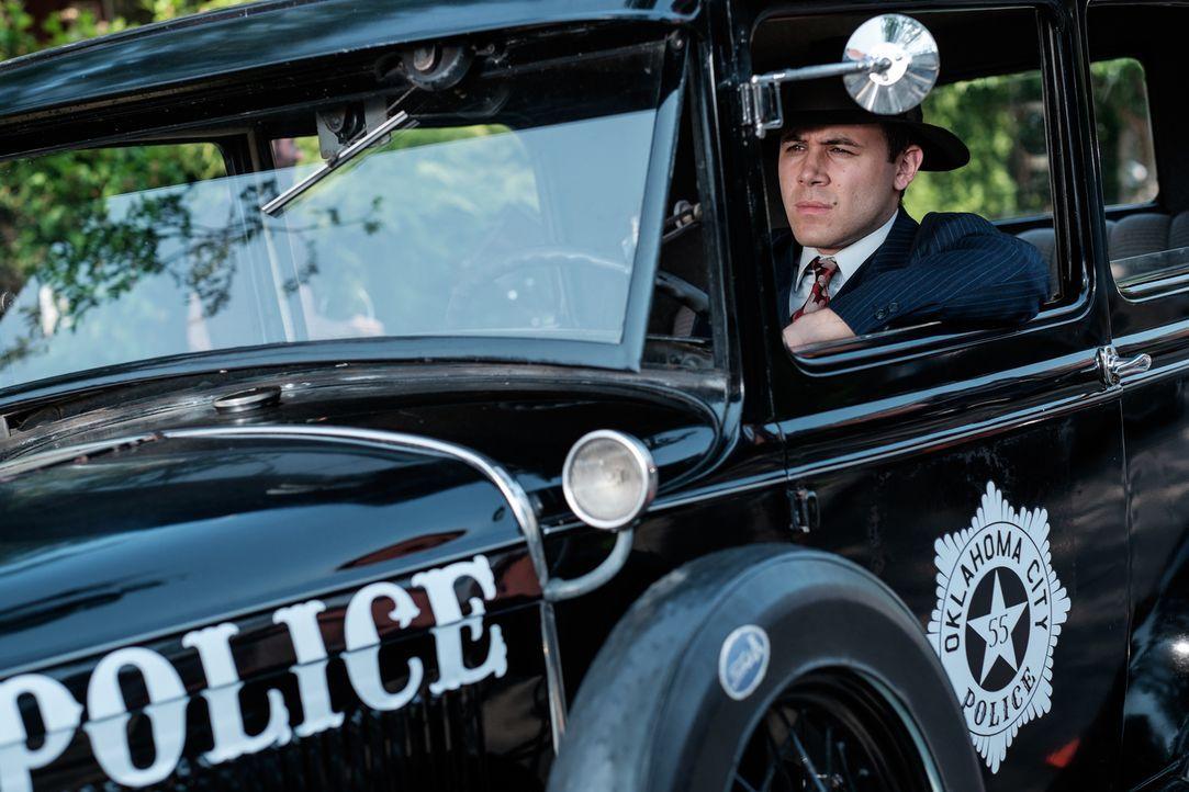 """Delf """"Jelly"""" Bryce (Anthony Lamanna) ist ein junger Polizist in Oklahoma City, der sich auf die Bekämpfung von Autodiebstählen spezialisiert hat - s... - Bildquelle: Darren Goldstein Cineflix 2015"""