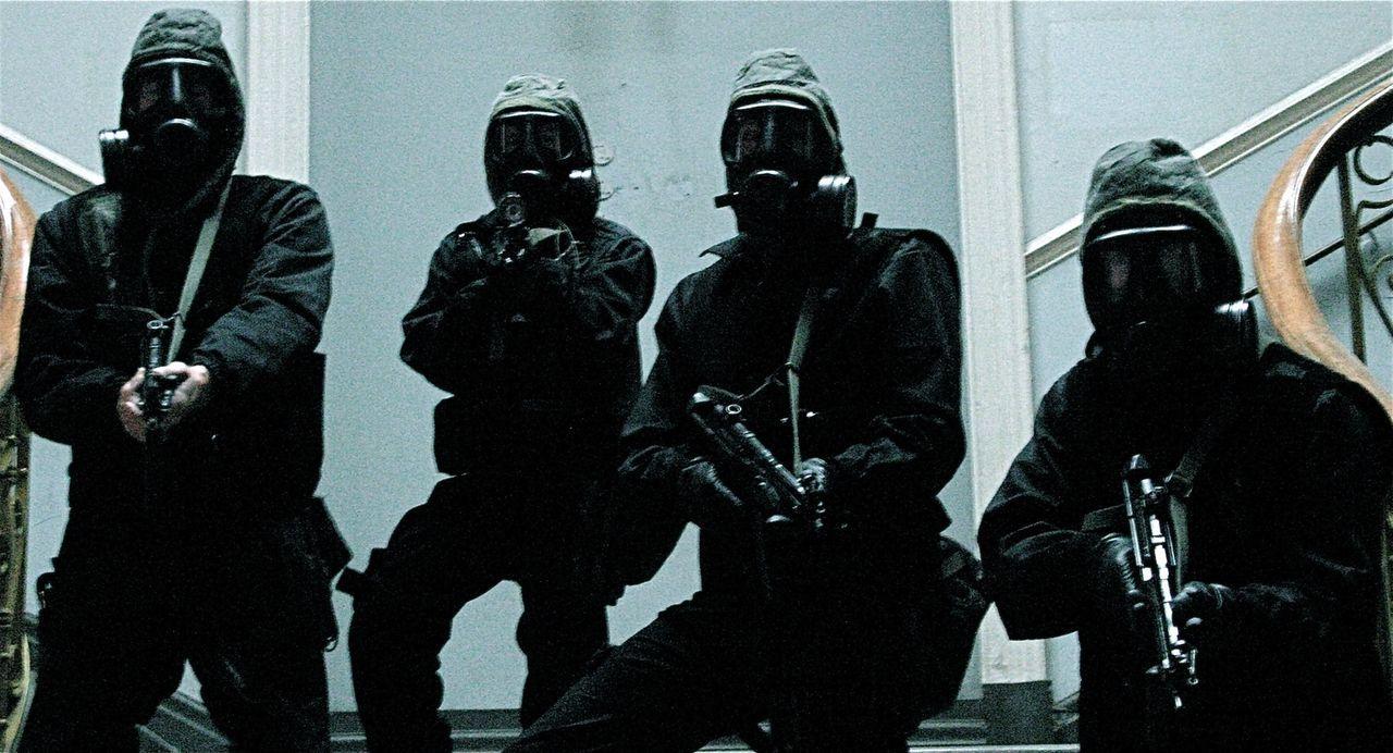 """1980 beendete die britische Spezialeinheit SAS eine Geiselnahme in der iranischen Botschaft in London. Doch wie lief das Ganze damals ab? """"Spezialei... - Bildquelle: James Leigh 2008 DANGEROUS FILMS"""