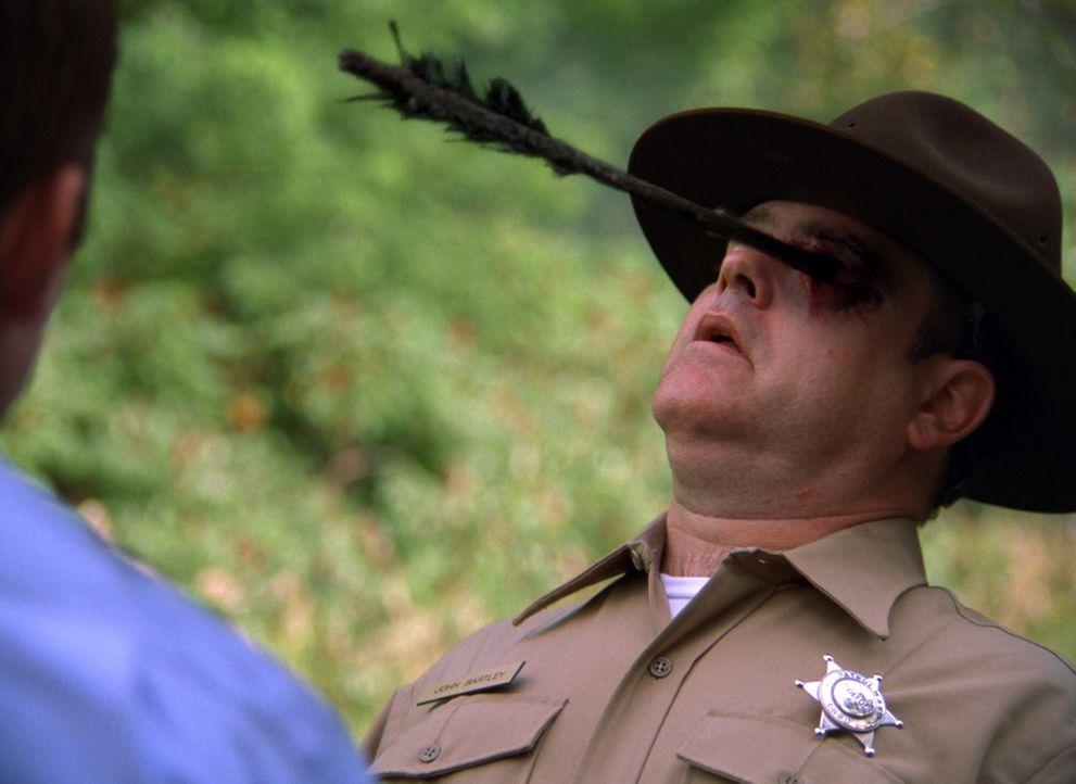 Für den Polizisten endet der Einsatz im Gebirge West Virginias im Suppentopf dreier missgebildeter Brüder ... - Bildquelle: Constantin Film Produktion GmbH