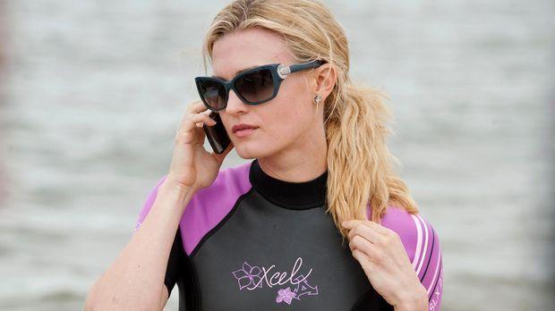 Paige Collins (Brooke D'Orsay) setzt alles daran, ihren Eltern ihren wesentli...