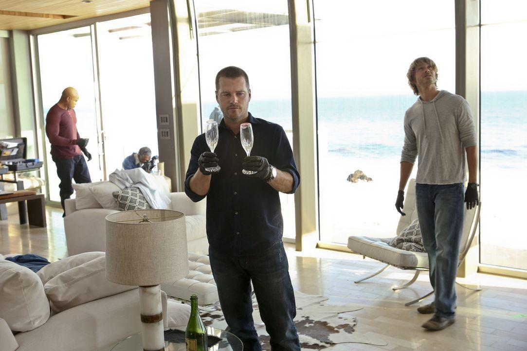 Bei den Ermittlungen in einem neuen Fall stellen sich Callen (Chris O'Donnell, 2.v.r.), Hanna (LL Cool J, l.) und Deeks (Eric Christian Olsen, r.) d... - Bildquelle: CBS Studios Inc. All Rights Reserved.