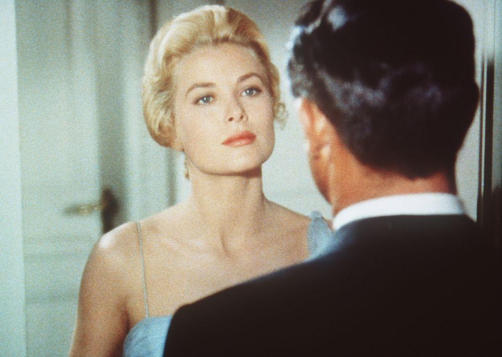 Kann Frances Stevens (Grace Kelly, l.) John Robie (Cary Grant, r.) noch vertrauen? - Bildquelle: Paramount Pictures