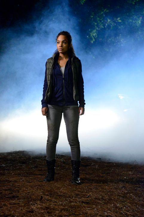 Während Ichabod versucht, ihre Schwester aus dem Fegefeuer zu retten, muss Jenny (Lyndie Greenwood) darauf vertrauen, dass alles gut geht ... - Bildquelle: 2014 Fox and its related entities. All rights reserved.