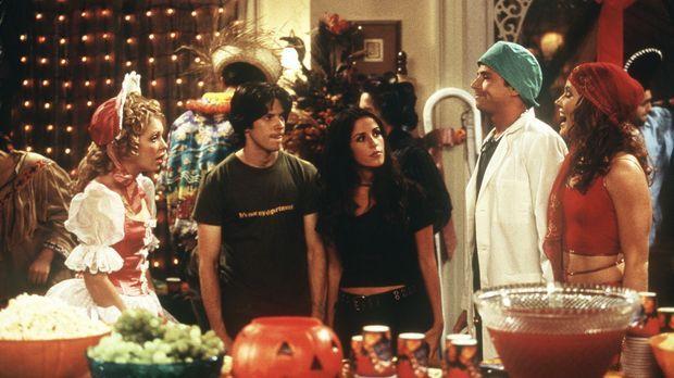 Sabrina (Melissa Joan Hart, l.), Miles (Trevor Lissauer, 2.v.l.), Roxie (Sole...