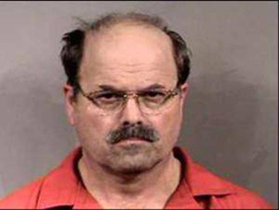 Dennis Lynn Rader ist ein US-amerikanischer Serienmörder, der als BTK-Killer bekannt wurde.