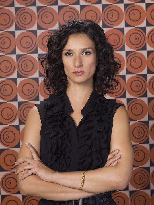 (2. Staffel) - Das Team bekommt Zuwachs: Milliardärin Ilsa Pucci (Indira Varma) ... - Bildquelle: Warner Bros. Television