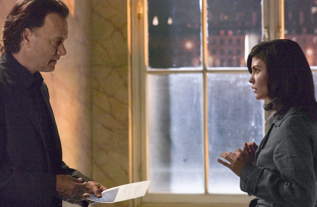 Noch ahnt die Kryptologin Sophie Neuvet (Audrey Tautou, r.) nicht, dass sie äußerst bedeutende Vorfahren hat. Aber zusammen mit Dr. Robert Langdon (... - Bildquelle: Sony Pictures Television International. All Rights Reserved.