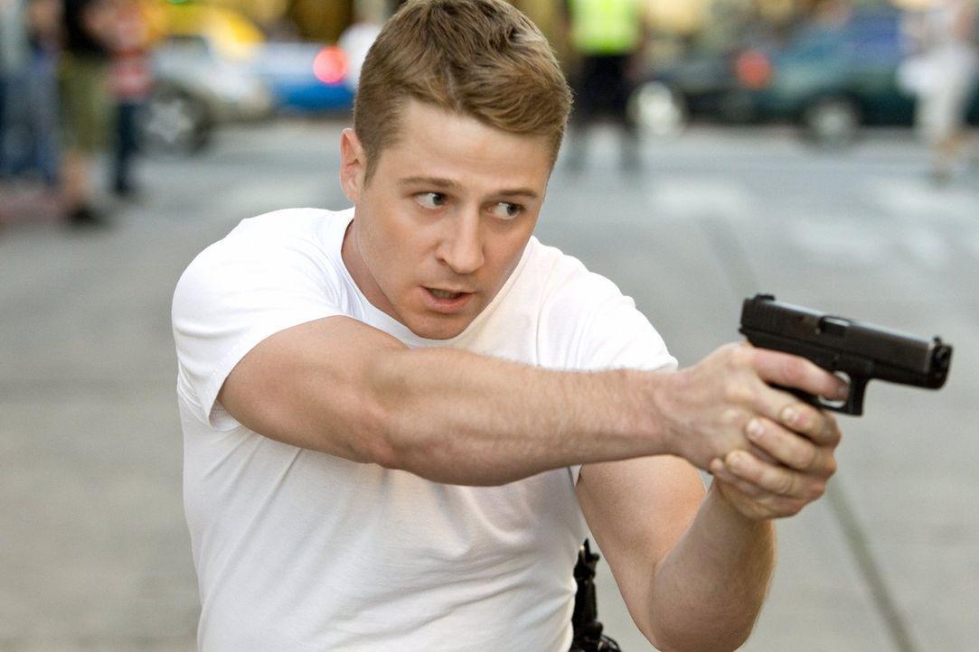 Mit ihm sollte man sich besser nicht anlegen: Officer Ben Sherman (Benjamin McKenzie) - Bildquelle: Warner Brothers