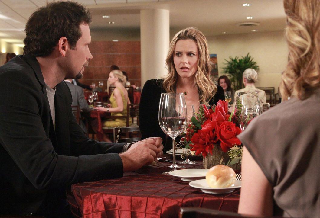 Auf dem Wochenmarkt lernt George (Jeremy Sisto, l.) die attraktive Eden kennen (Alicia Silverstone, M.) und ist sofort hin und weg von ihr. Derweil... - Bildquelle: Warner Brothers