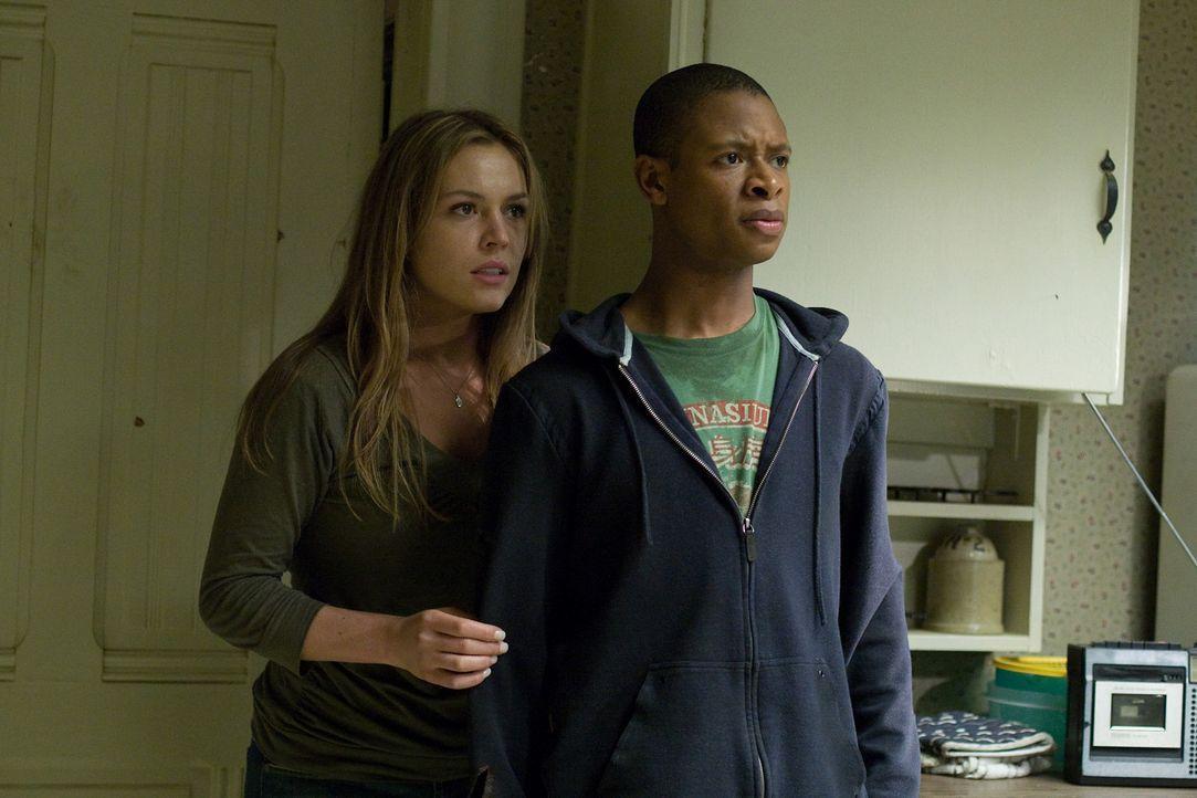 Sitzen in der Falle: Hotelgäste Jessica (Agnes Bruckner, l.) und Tanner (Arjay Smith, r.) sollen Opfer eines Snuff-Videos werden ... - Bildquelle: 2008 Stage 6 Films, Inc. All Rights Reserved.