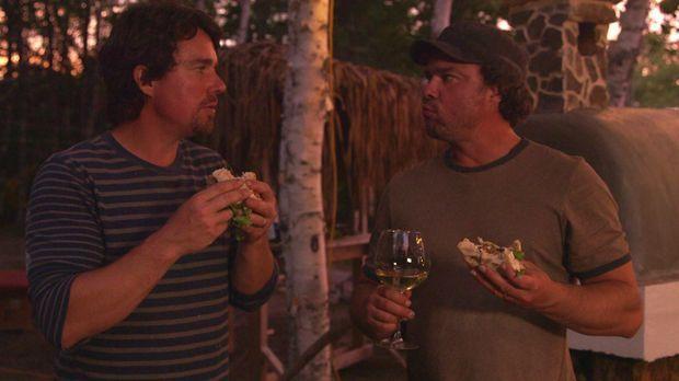Andrew (l.) und Kevin (r.) müssen leider feststellen, dass sie einen Lebensmi...