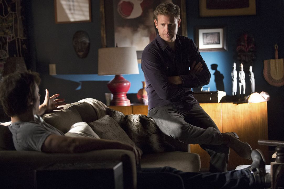 Wird Damon Alaric helfen? - Bildquelle: Warner Bros. Entertainment Inc.