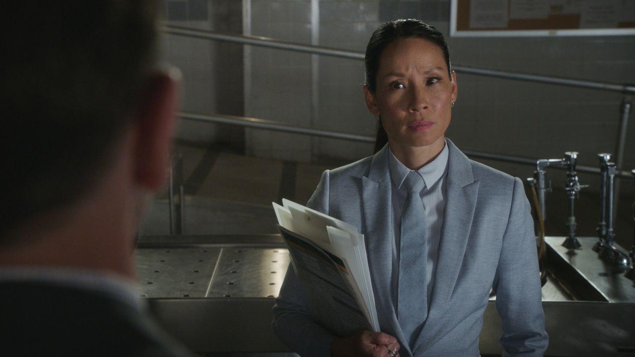 Watson (Lucy Liu) muss einen harten Schicksalsschlag durchleben und sich trotzdem auf den Fall eines neuen Mordopfers konzentrieren. Die Mordwaffe:... - Bildquelle: 2017 CBS Broadcasting Inc. All Rights Reserved.