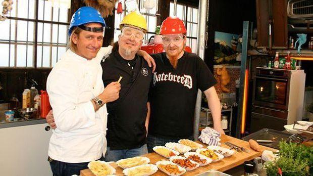 Kochen mit Knall: Stefan Marquard und Frank Buchholz liefern sich ein Pommes-...