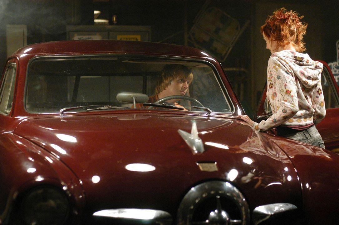 Wollen Spritztour machen: Physical Phil (Jay Paulson, l.) und Pizza Girl (Lindy Booth, r.) ... - Bildquelle: ABC Studios