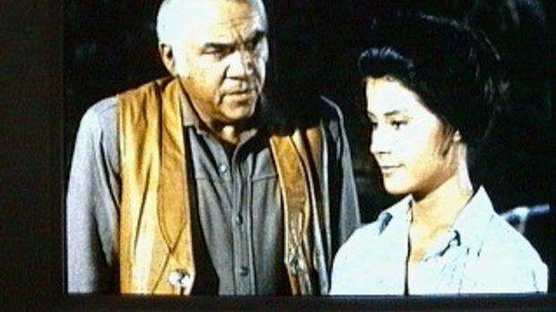 Ben (Lorne Greene, l.) freut sich sehr Mary (Diane Baker, r.) wiederzusehen....