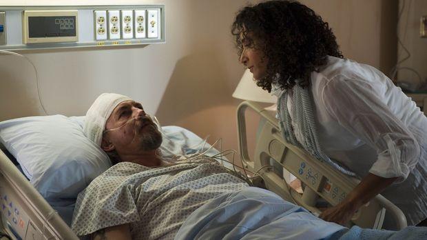 Chibs (Tommy Flanagan, l.) bekommt im Krankenhaus überraschend Besuch von sei...
