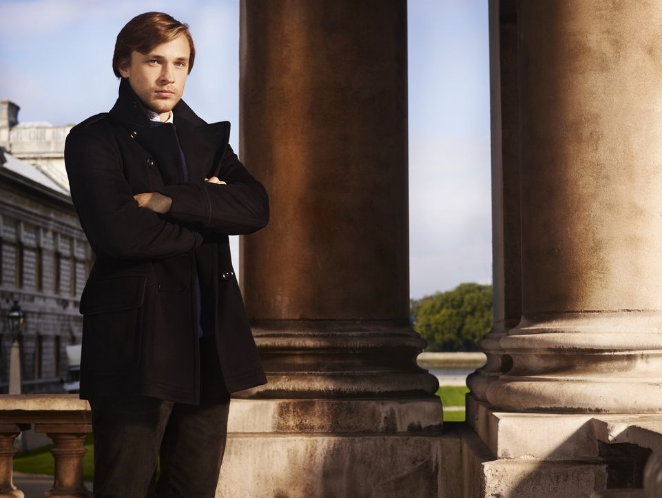 (1. Staffel) - Nach dem tödlichen Unfall seines älteren Bruders Robert bei einer Militärübung wird Prinz Liam (William Moseley) zum Thronfolger. Doc... - Bildquelle: James Dimmock 2014 E! Entertainment Media LLC/Lions Gate Television Inc.