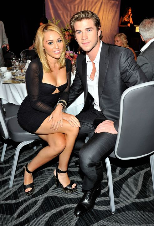 Miley-Cyrus-Liam-Hemsworth-120627-getty-AFP - Bildquelle: getty-AFP