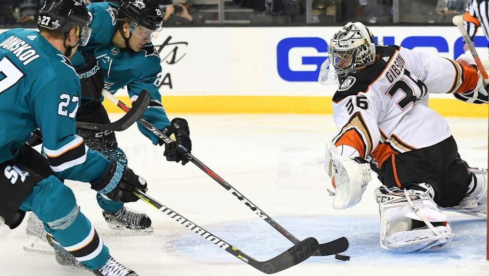 Die Anaheim Ducks stehen in der NHL vor dem Aus - Bildquelle: AFPGETTY SIDThearon W. Henderson