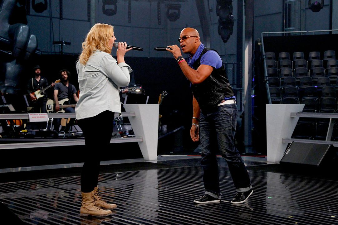 battle-rayland-vs-ronja05-the-voice-of-germany-huebnerjpg 1700 x 1133 - Bildquelle: SAT1/ProSieben/Richard Hübner